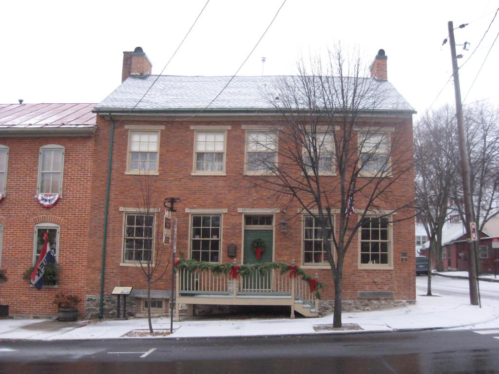 Tillie Pierce House Inn, Paranormal activity