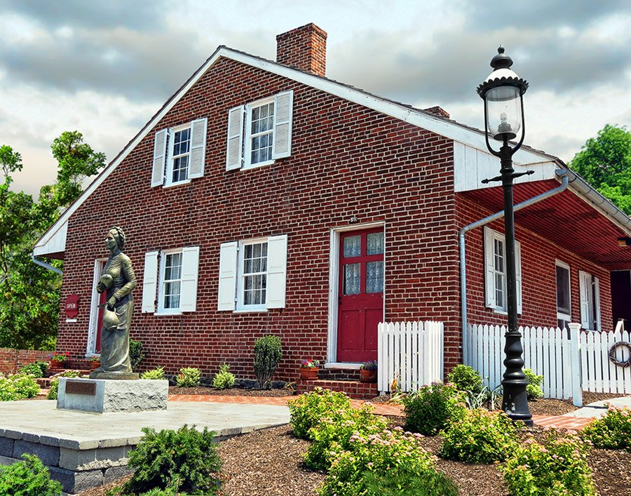 Hauntings at The Jennie Wade House, Civil War Ghosts, Ghosts in Gettysburg